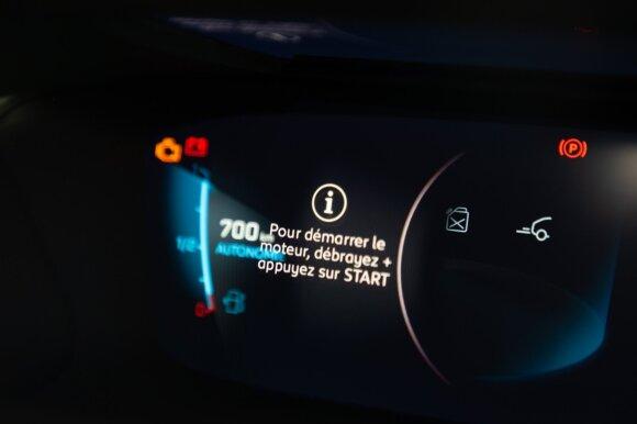 Galvos skausmas gamintojams: sprendimą, pirkti automobilį ar ne, gali nulemti vienas mygtukas
