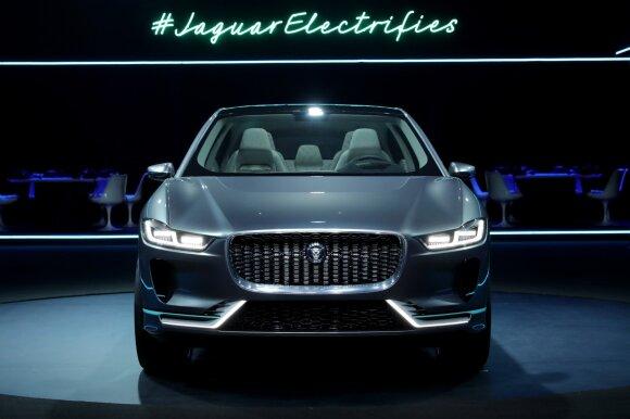 """""""Jaguar"""" netrukus įžengs ir į elektromobilių rinką"""