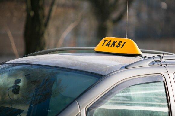 Vyrą nustebino taksisto paprašyta suma už kelionę: tai atviras lupikavimas