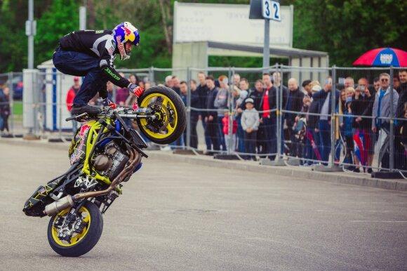 """Parodoje """"Auto Bazar"""" – nuo testodromo iki Europos moto-akrobatikos čempiono"""