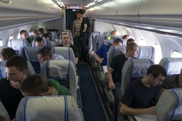 Ukrainos belaisviai lėktuve