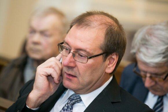 Seimo viešbutis – parlamentarų skandalų išgarsinta veikla: kratos, skolos ir eksperimentai su merginomis