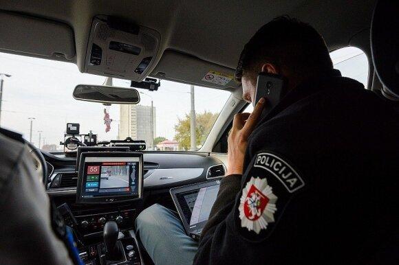 Į gatves išriedėjo net 6 nežymėti policijos automobiliai: vijosi ir 180 km/val.