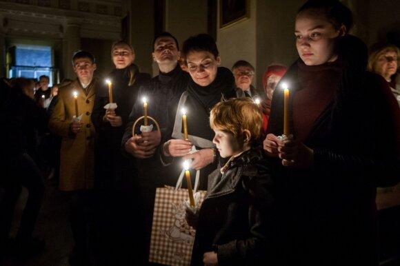 Antanas Saulaitis – apie lietuvius, šventes ir nuodėmes: pasižiūri į žmones ir negali žinoti, ar čia laidotuvės, ar Velykos