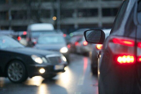 Automobilių rinka: pavasarį driokstels euro pasekmės