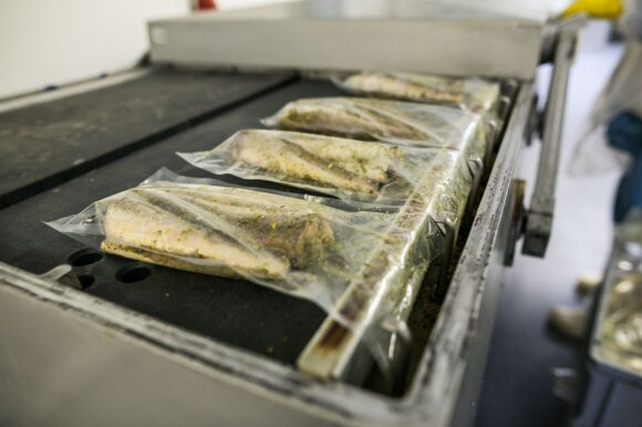 Maisto klastojimas: vietoj žuvies mums parduoda vandens glazūrą ir džiuvėsėlius