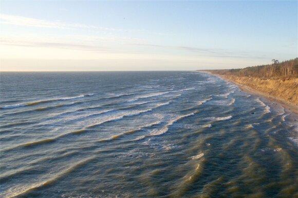 Poilsis prie jūros labai sveika visam organizmui: vien kvėpuodami galite gauti didelės naudos