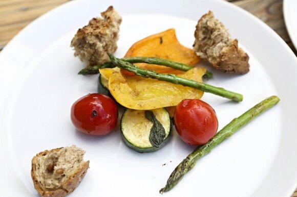 Ant grilio ruoštas maistas gali būti dar sveikesnis nei keptas keptuvėje ar orkaitėje
