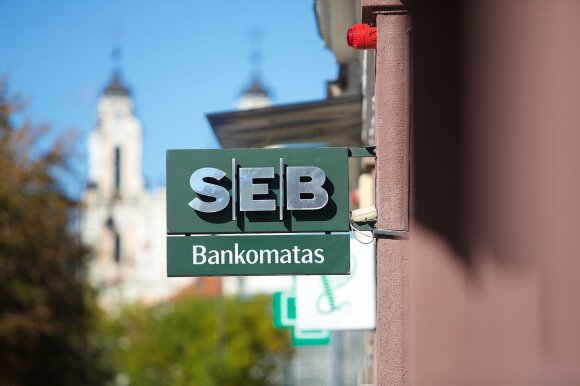 Užsienyje gyvenanti lietuvė: bankas iš mūsų pelnosi