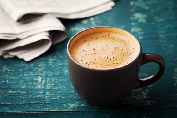 Štai kiek kavos iš tiesų saugu gerti laukiantis