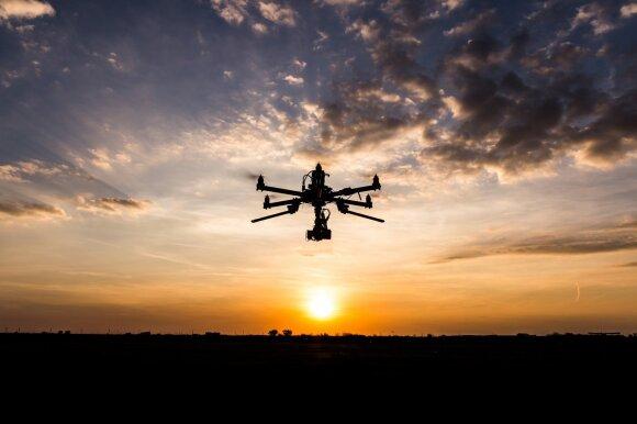 Naujosios technologijos atkeliavo į sąvartyną – darbui naudoja dronus
