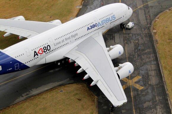 Didžiausiam pasaulyje keleiviniam lėktuvui – liūdna pabaiga