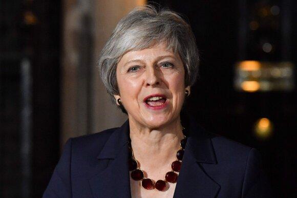 """Britanijos vyriausybė pritarė """"Brexit"""" susitarimo projektui"""