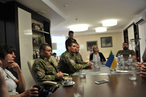 """Buvę Charkovo """"Metalisto"""" sirgaliai, vėliau tapo įvairių savanorių ir policijos specialiųjų dalinių nariais"""