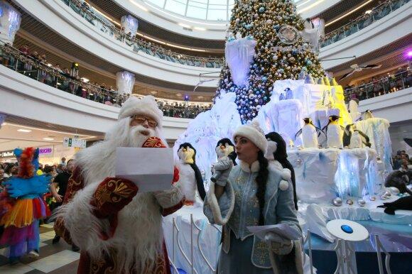 Дед Мороз очень внимательно прочитал все письма детей!