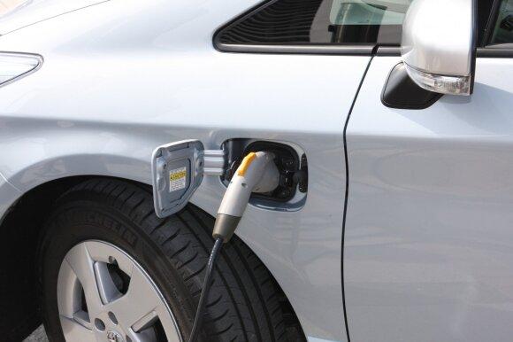 Žada permainas elektromobiliams: per kiek jie įsikraus ateityje?