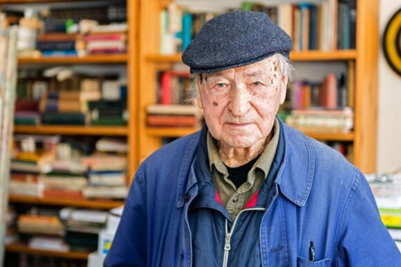 Jonas Mekas with his archives   Photo Ludo Segers