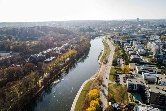 Vieno patraukliausių Vilniaus mikrorajono tvarkymą savivaldybė vadina renesansu, o gyventojai – absurdu