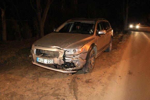 Avariją Vilniuje sukėlęs girtutėlis vairuotojas galva rėžėsi į stiklą