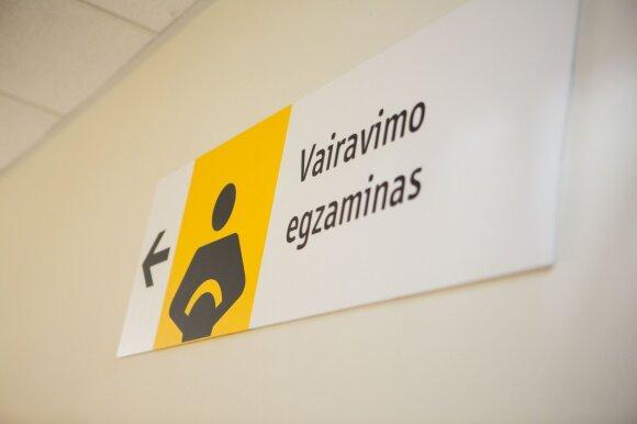 DELFI pristato Lietuvos vairavimo mokyklų reitingą: A ir C kategorijos