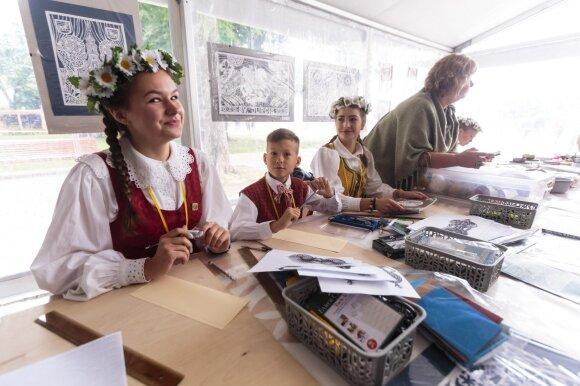 Prie Valdovų rūmų įsikūręs Vaikų amatų miestelis laukia mažųjų smalsuolių