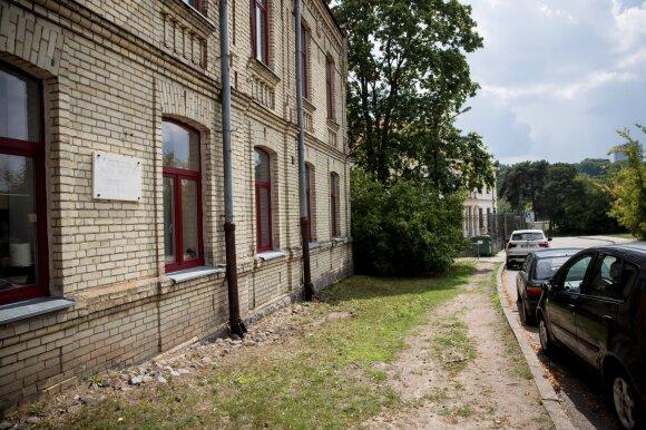 Pamiršta poetė, kuri norėjo tapti antrąja Salomėja Nėrimi: išdavikei Vilniuje iki šiol kabo atminimo lenta