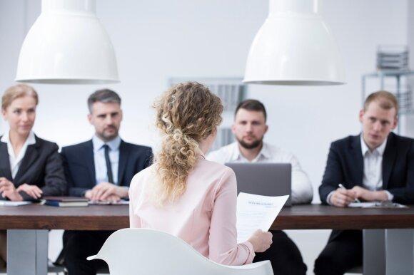 Niekada per darbo pokalbį nedarykite šių klaidų