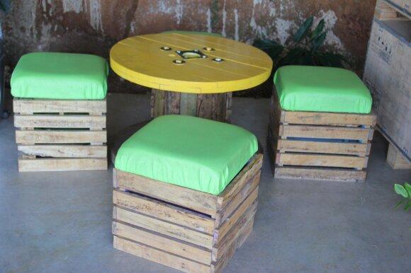 """<span style=""""color: #ff0000;"""">Darau Pats:</span> daugybė medinių pakavimo dėžių panaudojimo būdų"""