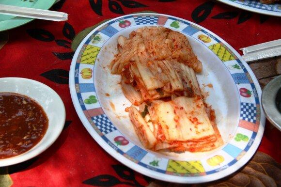 Kimči (specialiai paruošti kopūstai) Šiaurės Korėjoje