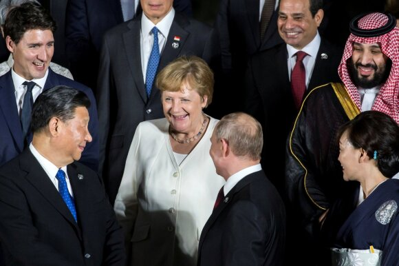 Xi Jinpingas, Angela Merkel, Vladimiras Putinas