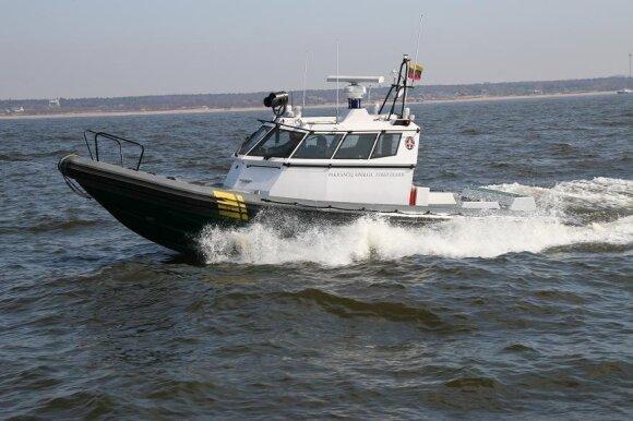 Kuršių mariose apsivertė ir nuskendo jachta
