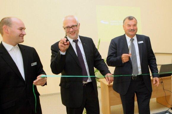 Dainius Pavalkis su Vilniaus technologijų ir verslo profesinio mokymo centro atstovais