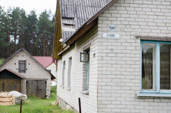 Juodšiliuose išniekintos moters kaimynai spėja, kas gali būti tie žiaurūs žudikai