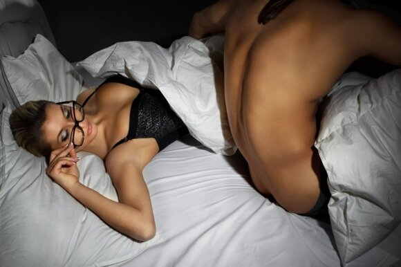 Lytinio akto trukmė ir laikas iki ejakuliacijos priklauso ir nuo kitų aplinkybių bei veiksnių: vyro susijaudinimo laipsnio, santykiavimo pozų, partnerės aktyvumo.