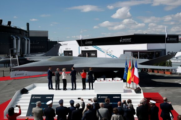 """""""Airbus"""" kurs naujos kartos naikintuvą"""