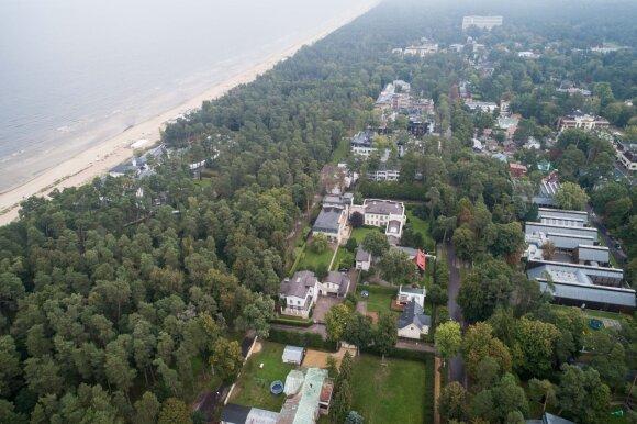 Kiek kainuoja namas prie jūros: atrado rojų ieškantiems pigesnio būsto