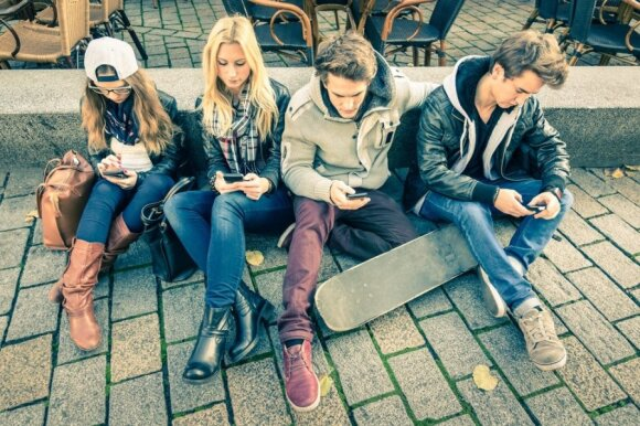 Keičia požiūrį į vaikų užimtumą: gatvėse vasaras leidžiantys paaugliai – nepilnamečių nusikalstamumo priežastis