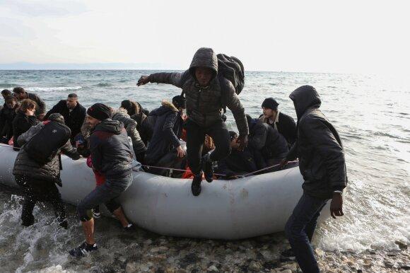 Turkijos pasienį su Graikija pasiekė dar keli tūkstančiai migrantų