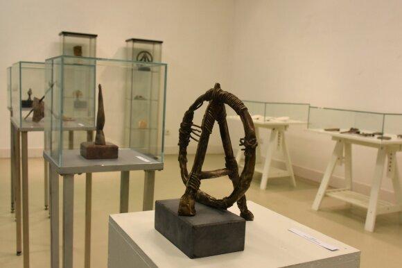 """37-osios medalio ir mažosios skulptūros kūrėjų stovyklos Telšiuose tema – """"Valstybingumo ženklų kūrėjai"""""""