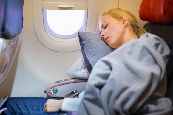 Naujovės, kurios kelionę lėktuvu žada padaryti dar patogesnę: džiaugsis ir ekonominės klasės keleiviai