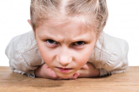 Bausmės ir smurtas nepadės: 4 sprendimo būdai, kai vaiko elgesys tampa nevaldomas