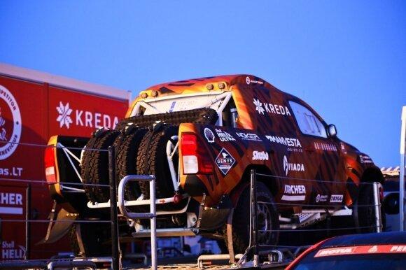 Į Dakarą iškeliavo lietuvių technika. #iGo2Dakar nuotr.