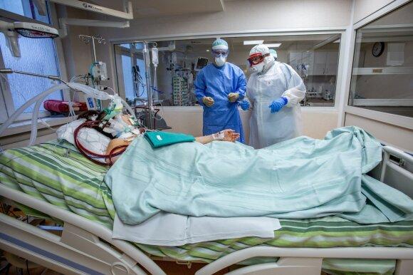 COVID-19 sirgęs vyras apibūdino ligos pradžią: net nejuto, kad smarkiai karščiuoja
