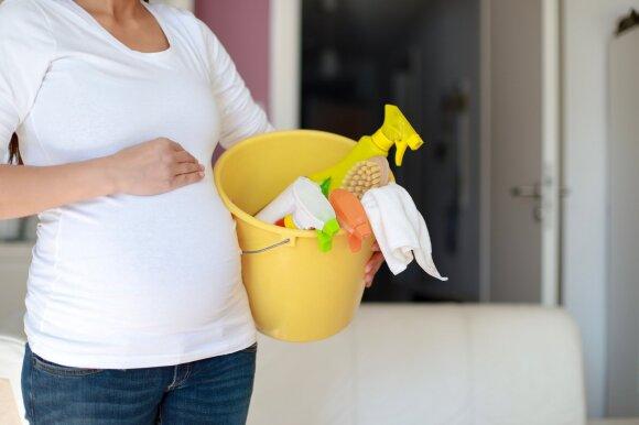 Naujos mokslininkų išvados įspėja nėščiąsias – kai kurios cheminės medžiagos gali lemti kūdikio autizmą