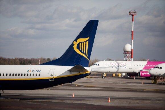 Nuolat keliamų atlyginimų nebepakanka: ką dar Lietuvos oro uostai siūlo darbuotojams