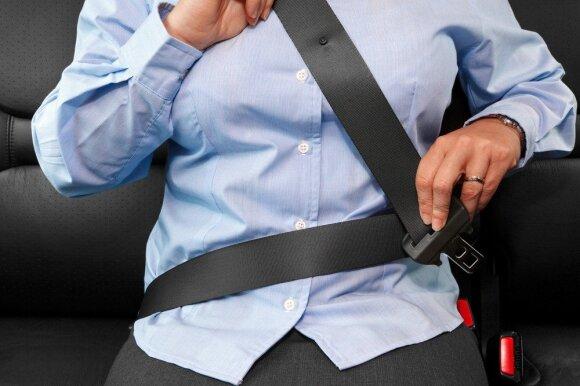 Pareigūnus trikdo vairuotojų įpročiai: taisyklė aiški, o per metus – 19 tūkst. pažeidėjų