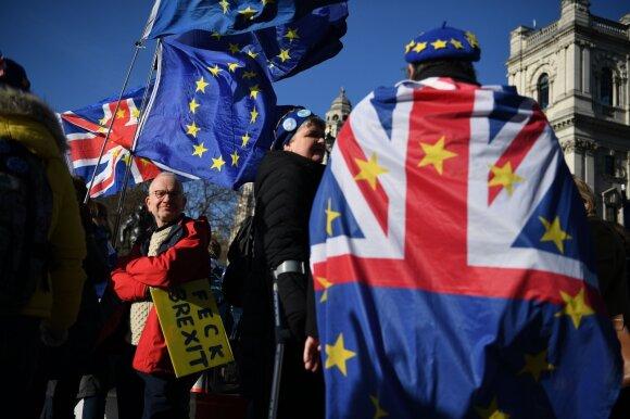Iš ES išstojusiai, bet susiskaldžiusiai Britanijai išaušo nauja era: kas jos laukia?