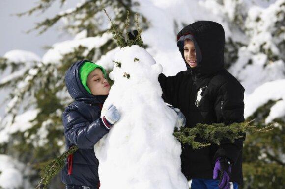 10 žiemiškų gydytojos patarimų rūpestingiems tėvams