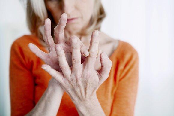Seno žmogaus ranka