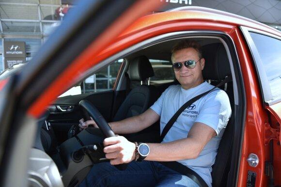 """Elektrinio """"Hyundai Kona"""" bandymas Vilniaus gatvėse"""
